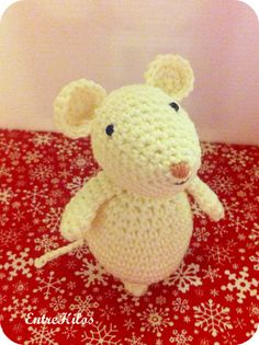 Mesmerizing Crochet an Amigurumi Rabbit Ideas. Lovely Crochet an Amigurumi Rabbit Ideas. Crochet Mouse, Crochet Bunny, Cute Crochet, Crochet Animals, Crochet Toys Patterns, Amigurumi Patterns, Amigurumi Doll, Woolen Craft, Plush Pattern