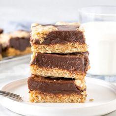 Easy Red Velvet Cake - Just so Tasty Cake Mix Cookies, No Bake Cookies, Coconut Cookies, Baby Cookies, Heart Cookies, Valentine Cookies, Easter Cookies, Birthday Cookies, Christmas Cookies