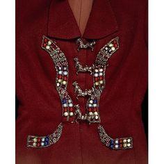 * Elsa  Schiaparelli - The Circus Collection (1938)  boutons en forme de chevaux de cirque