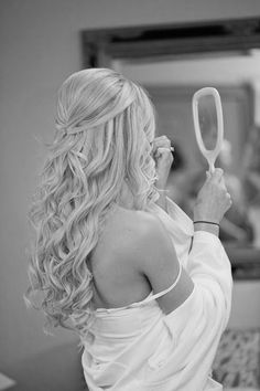 Ce sera cette coiffure ....  Beautiful long hair styles !  http://www.pinterest.com/adisavoiaditrev/