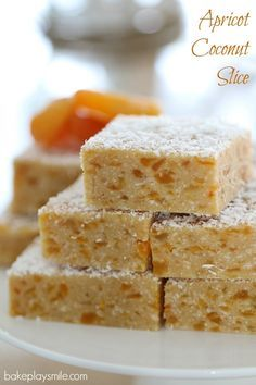 Want a Thermomix Apricot Coconut Slice that is completely no-bake, takes just 5 minutes to prepare and is absolutely delicious? This is THE recipe for you! Baking Recipes, Cake Recipes, Dessert Recipes, No Bake Recipes, Apricot Slice, Apricot Bars, No Bake Slices, Coconut Slice, Cupcakes
