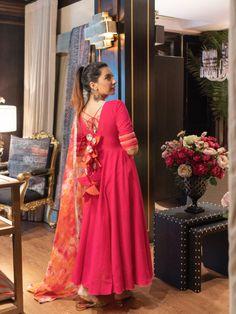 New Dress Design Indian, Long Dress Design, Dress Indian Style, Indian Dresses, Simple Kurta Designs, Stylish Dress Designs, Designer Party Wear Dresses, Indian Designer Outfits, Designer Wear