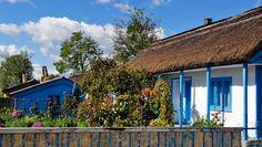 Arhitectura traditionala in Delta Dunarii, #Colorful #Facade #DanubeDelta, #Fishermen'sVillage