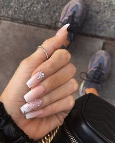 39 Birthday Nails Art Design that Make Your Queen Style fascinating coffin acrylic nails; french ombre nails with gold glitter; Cute Acrylic Nails, Acrylic Nail Designs, Nail Art Designs, Diamond Nail Designs, Design Art, French Acrylic Nails, Ombre Nail Designs, Design Ideas, Artwork Design