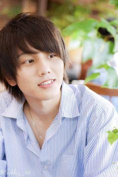 Japanese Guys, Shot Hair Styles, Cute Korean Boys, Japanese Hairstyle, Happy New, Straight Hairstyles, Hair Cuts, Faces, Manga