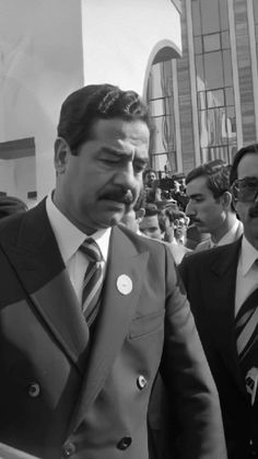 Iraqi President, Saddam Hussein, Two Rivers, Great Leaders, Palestine, Mobile Wallpaper, Middle East, Respect, Presidents
