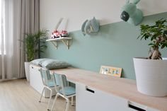 Cute desk and wall decoration for girls - Kinderzimmer Ideen - Cute Wall Decor, Kids Wall Decor, Girl Desk, Cute Desk, Ikea Wall, Ikea Kids, Kids Room Design, Boy Room, Girl Rooms