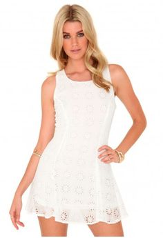 Missguided - Lucile Laser Cut Swing Dress In White