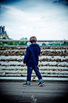 Paris au printemps ! // Springtime in Paris En pleine réflexion devant les cadenas des amoureux ... et au loin, le Louvre // Deep in thought in front of the padlocks of lovers ... and far off, the Louvre © S. Loyauté-Peduzzi - http://shop.sloyaute-peduzzi.com  #photo #photodart #photographie #photography #Paris #France #french #louvre #spring #printemps #googleplusphotos