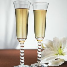 Interlocking Diamond Stem Champagne Flutes