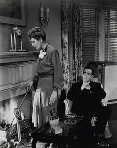 Mary Astor and Humphrey Bogart in THE MALTESE FALCON.