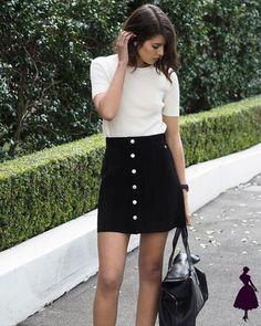 Falda con botones: ideas de outfit para inspirarte y verte increíble Mini Skirts, Inspiration, Clothes, Blog, Style, Ideas, Fashion, Vestidos, Black Mini Skirts