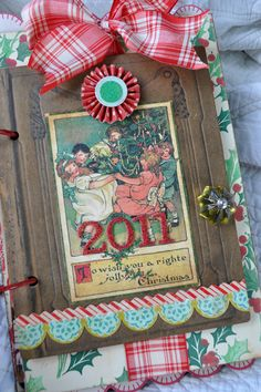 Beautiful cover idea for my 2012 December Daily. Christmas Mini Albums, Christmas Scrapbook, Christmas Minis, Christmas Books, Vintage Christmas, Christmas Crafts, Xmas, Scrapbooking, Scrapbook Paper Crafts