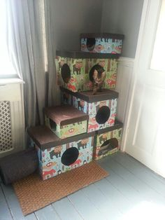 A simple DIY cat tree made using cardboard boxes. Make it pretty by covering with paper of your choice!