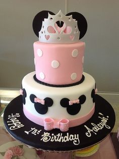 princess minnie mouse cake by Angel Contreras, via Flickr