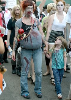 Comic Con Cosplay - Zombie Walk