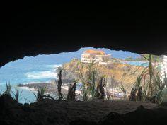 Saliendo de la Cueva de San Marcos (Icod de los Vinos). TENERIFE