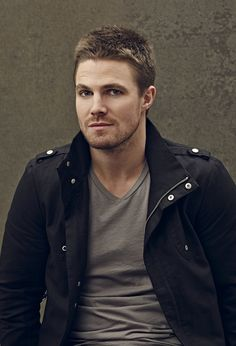 Arrow - New Promo Pics - Stephen Amell (Oliver Queen)