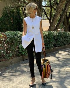 fashion trends for women over for women over 50 style, 60 Fashion, Mature Fashion, Over 50 Womens Fashion, Fashion Over 40, Office Fashion, Work Fashion, Fashion Looks, Fashion Outfits, Fashion Trends