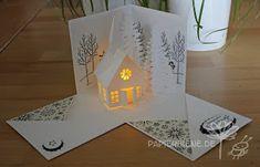 Papierbienes Bastelblog: Advent im Weihnachtsdorf Christmas Village Lights, Christmas Decorations, Twinkle Lights, Tea Lights, Boite Explosive, Coffee Mug Quotes, Retro Halloween, Explosion Box, Christmas Projects