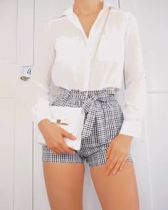 Outfit idea from # Outfits basicos Gingham trend Girly Outfits, Cute Casual Outfits, Short Outfits, Stylish Outfits, Summer Outfits, Trend Fashion, Fall Fashion Outfits, Latest Fashion, Semi Formal Outfits