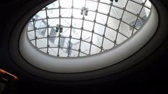 Il lucernario è una costruzione che si fa sul soffitto di un ambiente per dare luce ed aria dall'alto. Il tipo più comune consta di una apertura