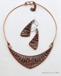 Mixing Metals 3 by izabako, via Flickr#wirework #earrings #copper #jewelry #bijouxfantaisie #bijouxcreateur #cadeaux #femme #ideescadeaux