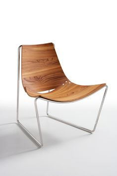Sled base horse hide armchair APELLE by Midj | #design Beatriz Sempere @midjinitaly