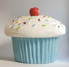 Giant cupcake cookie jar canister