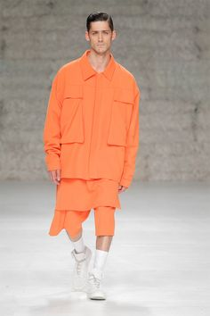 """Hugo Costa presented his Fall/Winter 2014 collection during PortugalFashion.This collection was inspired by """"Bushido"""", the code of conduct and way of life of the Samurai. A concept that defines their attitude towards life and death, their relationship with... »"""