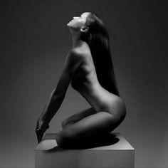 Arte: Desnudos Artísticos Fotografía en Blanco y Negro Fotógrafo del Cuerpo Humano Jorge Warda