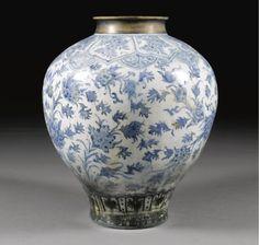 vases ||| sotheby's l11223lot66gf5en