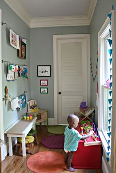 SMALL KIDS PLAY SPACE