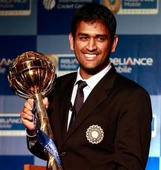 )(aPPY BiRtHdAy MS DHONI Former Captain of Indian Cricket Team is a darling to all Indians. History Of Cricket, World Cricket, India Cricket Team, Cricket Sport, Icc Cricket, Ziva Dhoni, Dhoni Quotes, Ms Dhoni Wallpapers, Ms Dhoni Photos