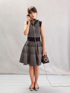 zooey deschanel- one of my girl crushes I just love her eyes. Zooey Deschanel Style, Zoey Deschanel, Brigitte Bardot, Vivienne Westwood, Coco Chanel, Jessica Day, Average Girl, Love Her Style, Up Girl