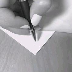 Doodle Art Drawing, Cool Art Drawings, Zentangle Drawings, Mandala Drawing, Pencil Art Drawings, Zentangles, Mandala Art Lesson, Peacock Wall Art, Illusion Drawings