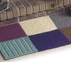 Bulky Knitted Rug: #knit #knitting #free #pattern #freepattern #freeknittingpattern #freeRugsknittingpattern