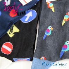 Calza corta uomo in cotone elasticizzato, realizzata con filati di qualità, elastica, bella e comoda da indossare. Assortito nei tre colori moda come in foto.