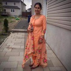 HappyShappy - India's Own Social Commerce Platform New Punjabi Suit, Punjabi Salwar Suits, Punjabi Dress, Salwar Kameez, Punjabi Fashion, Pakistani Fashion Casual, Indian Fashion, Designer Punjabi Suits, Indian Designer Outfits
