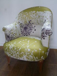 Cloix-Leclercq Upholsterer decorator in Sèvres for 15 years - Tapestry Fancy Chair, Love Chair, Chair Design, Furniture Design, Patchwork Sofa, French Chairs, Vintage Sofa, Bedroom Chair, Upholstered Sofa