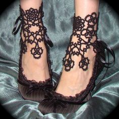 In Bloom Ankle Corsets Tatted Lace Accessories by TotusMel from TotusMel on Etsy. Saved to Project Ideas. Look Fashion, Fashion Shoes, Girl Fashion, Gothic Fashion, Fashion Models, Corset, Mein Style, Needle Tatting, Tatting Lace