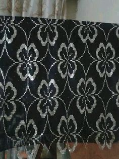 Linen Curtains, Photo Tutorial, Hand Embroidery, Needlework, Diy And Crafts, Street Art, Cross Stitch, Shoulder Bag, Beads