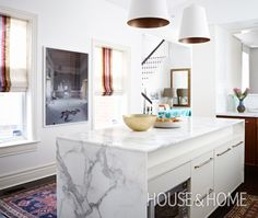 Video tour the kitchen of Suzanne Dimma, Editor-in-chief of House & Home magazine. Dimma will explain the choices made in her kitchen remodel. She a lot of great ideas - many cost-saving!