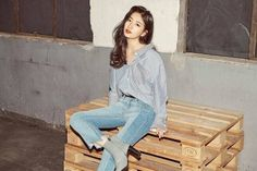 Bae Suzy - GUESS 2017 Bae Suzy, Cute Korean, Korean Outfits, Korean Actresses, Retail Design, Most Beautiful Women, Asian Fashion, Girl Crushes, Kpop Girls