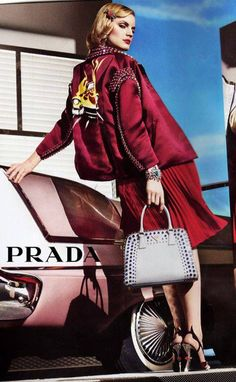 1cd06d20810e Best Women's Handbags & Bags : Prada at Luxury & Vintage Madrid , the best  online selection of Luxury Clothing , Accessories , Pre-loved with up to  discount