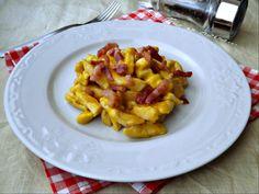Il petto di pollo alla carbonara è un secondo piatto sostanzioso e gustoso. Un modo particolare di preparare il petto di pollo