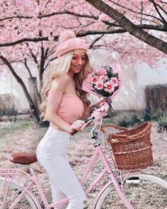 Ding dong 💖 🌹 Flower delivery is here 🌹 . Such a gorgeous 📸 Lena… Ding dong 💖 🌹 Flower delivery is here 🌹 . Such a gorgeous 📸 Lena Saibel 😍 . Fashion Moda, Pink Fashion, Fashion Outfits, Pink Love, Pretty In Pink, Tout Rose, Bicycle Girl, Everything Pink, Glamour
