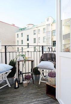 balcony - helle Farben für den Balkon