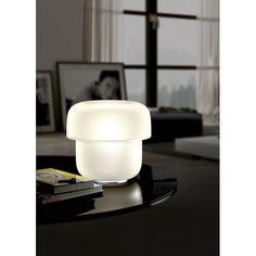 MICO T1 est une nouveauté de la marque italienne PRANDINA. Cette lampe de table toute en verre soufflé a un design élégant et raffiné, lumineuse diffuse .