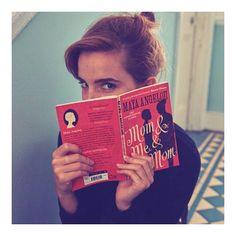 """Gefällt 1.2 Mio. Mal, 6,093 Kommentare - Emma Watson (@emmawatson) auf Instagram: """"@oursharedshelf's Nov & Dec book is #Mom&Me&Mom by Maya Angelou"""""""